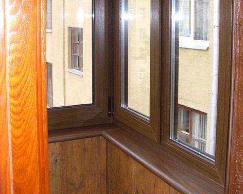 Окно на балконе